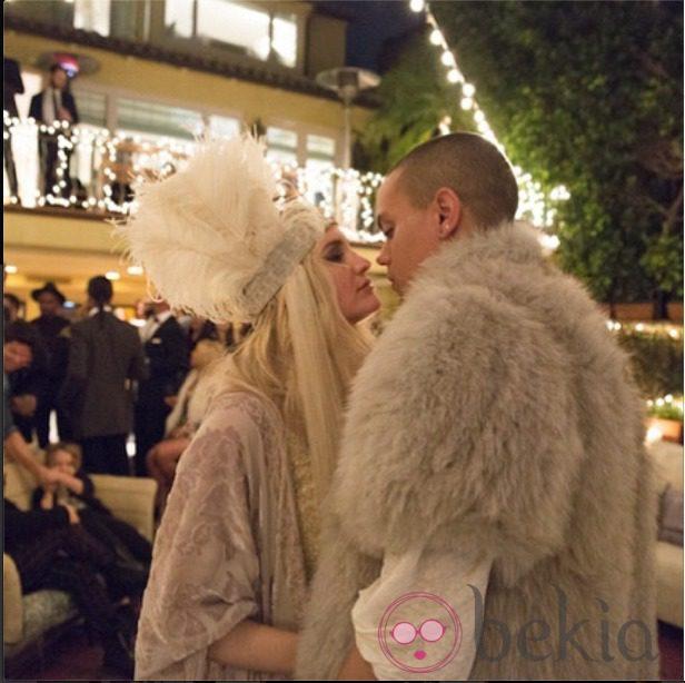 Ashlee Simpson y Evan Ross durante su fiesta de compromiso