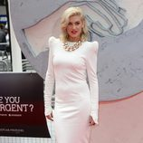 Ashley James en la premiere de 'Divergente' en Londres