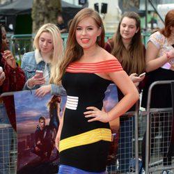 Tanya Burr en la premiere de 'Divergente' en Londres