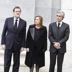 Mariano Rajoy, su mujer Elvira Fernández y Adolfo Suárez Illana en el funeral de Estado de Adolfo Suárez