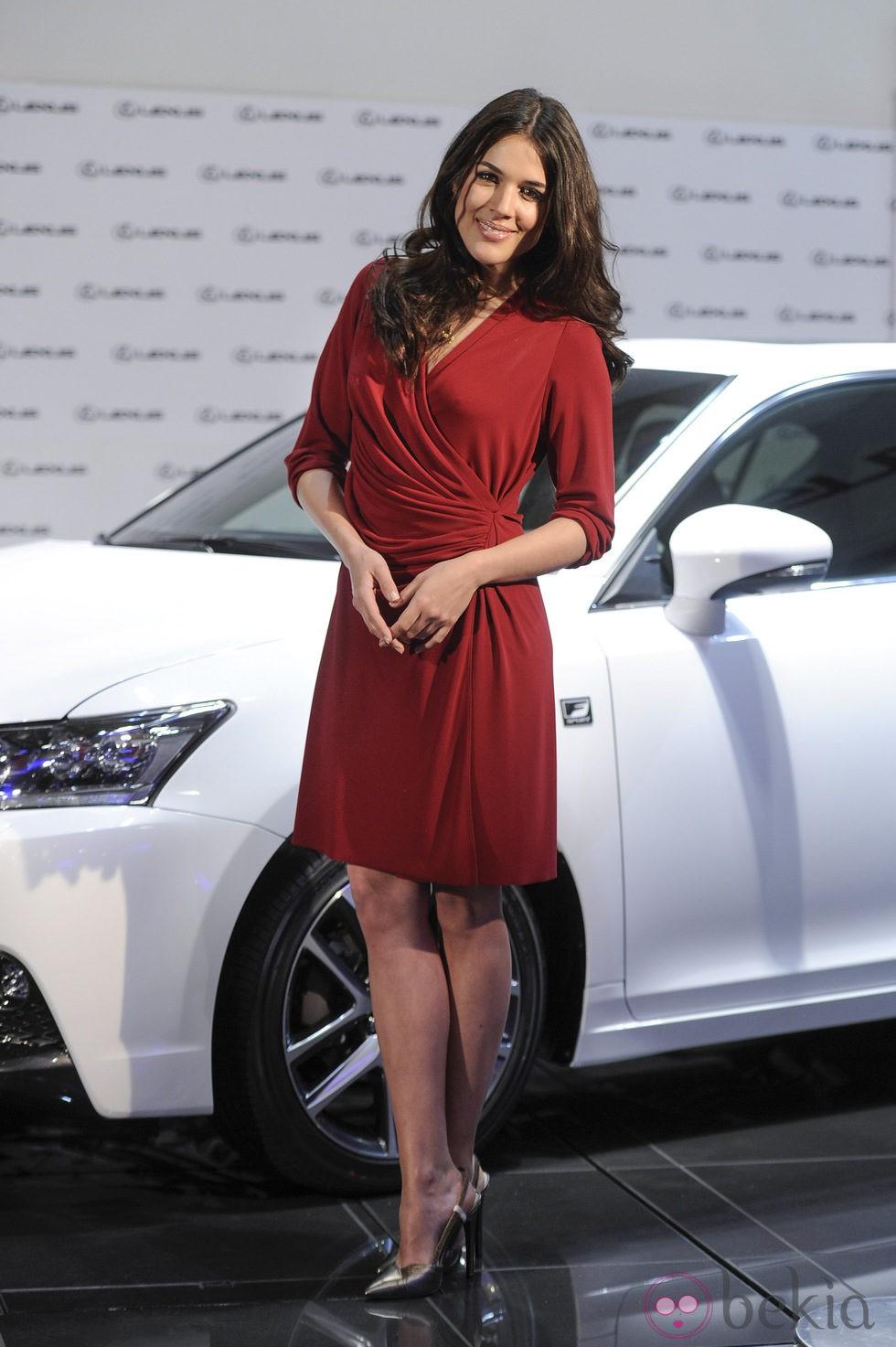 Adriana Ugarte en la presentación de un nuevo modelo de coche