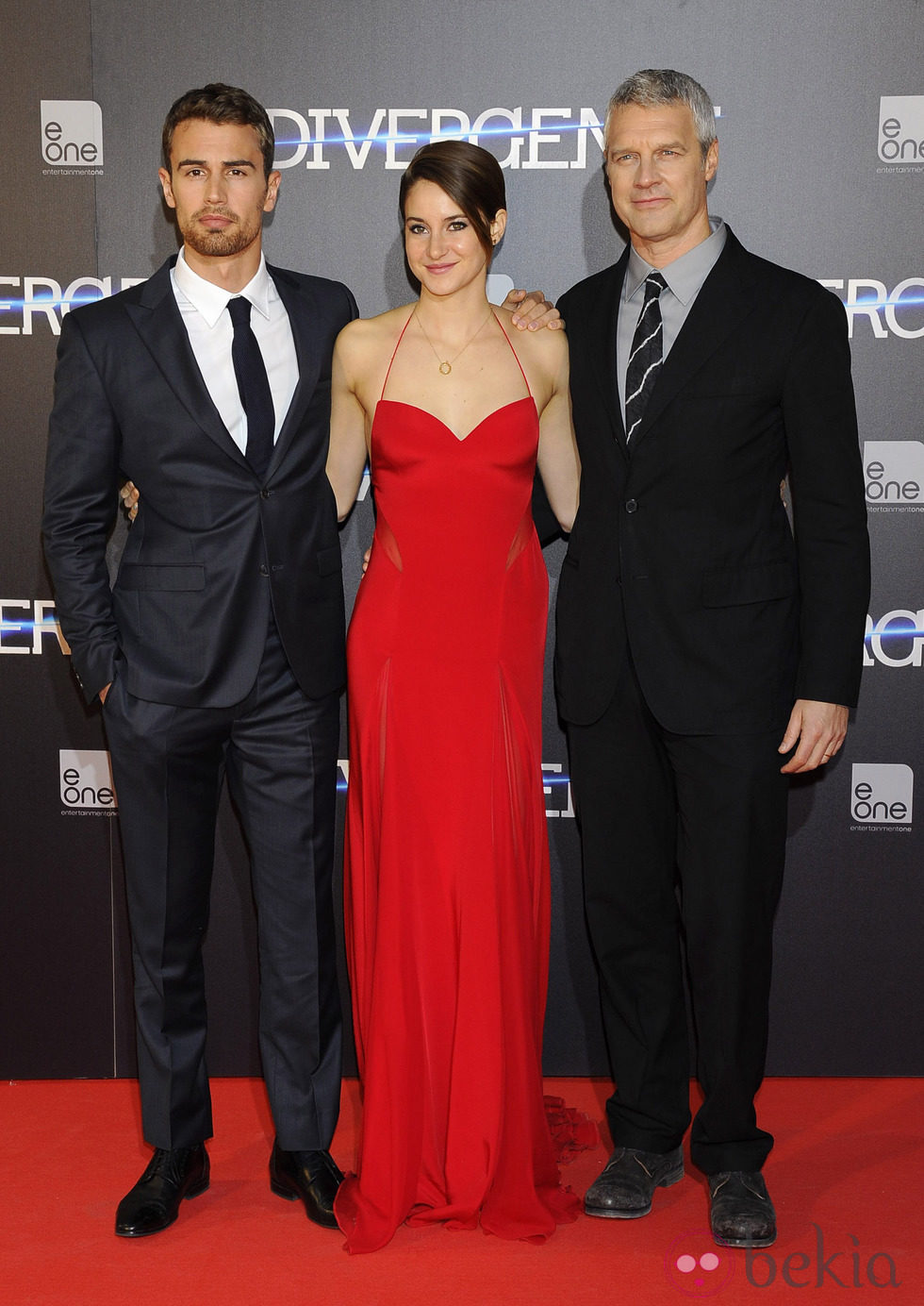 Theo James, Shailene Woodley y Neil Burger en el estreno de 'Divergente' en Madrid