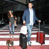Malena Costa y Mario Suárez se van de viaje con su perro Roco