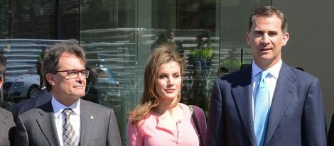 Los Príncipes de Asturias y Artur Mas en la inauguración de la nueva sede de Puig