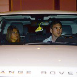 Leo Messi y Antonella Roccuzzo en la fiesta del primer cumpleaños de Lia Fábregas