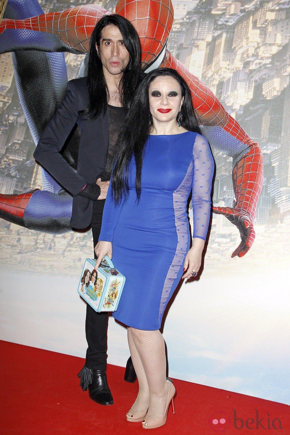 Alaska y Mario Vaquerizo en el estreno de 'The Amazing Spider-Man 2' en Madrid