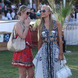 Paris Hilton y Nicky Hilton en el festival de música Coachella 2014