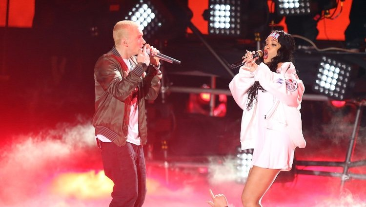 Eminem y Rihanna actúan en los MTV Movie Awards 2014
