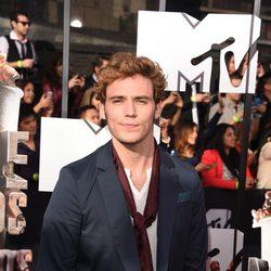 Sam Claflin en los MTV Movie Awards 2014