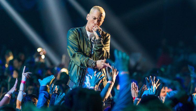 Eminem actuando en los MTV Movie Awards 2014
