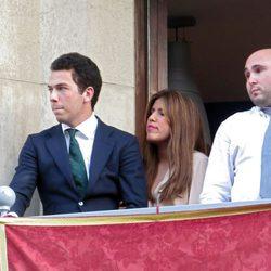 Alberto Isla, Chabelita Pantoja y Kiko Rivera siguen las procesiones de Sevilla