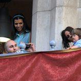 Kiko Rivera hace fotos a su hijo Francisco y a Anabel Pantoja en la Semana Santa de Sevilla