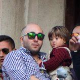 Kiko Rivera y su hijo Francisco en la Semana Santa de Sevilla 2014