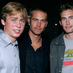 Paul Walker y sus hermanos