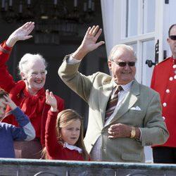 Margarita de Dinamarca celebra su 74 cumpleaños con el Príncipe Enrique, el Príncipe Christian y la Princesa Isabel