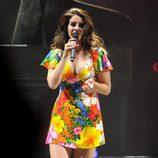 Lana del Rey actuando en el Festival de Coachella 2014