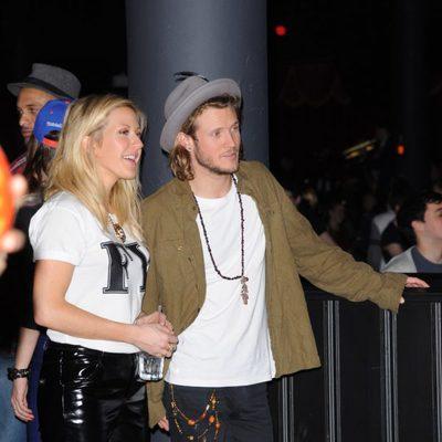 Dougie Poynter y Ellie Goulding dando un paseao por Londres