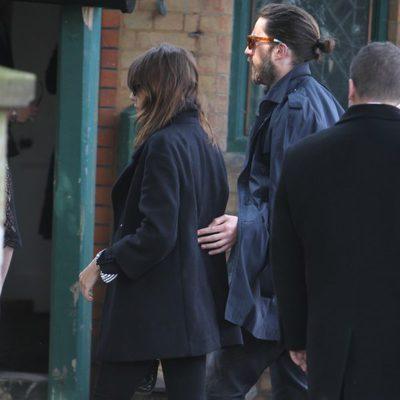 Alexa Chung en el funeral de Peaches Geldof en Londres