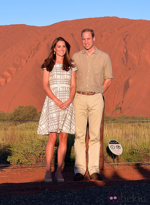 El Príncipe Guillermo y Kate Middleton en Uluru