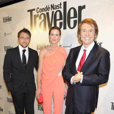 Manuel Martos, Amelia Bono y Raphael en los Premios Conde Nast Traveler 2014