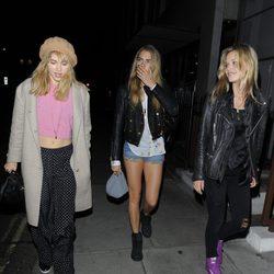 Cara Delevingne, Suki Waterhouse y Georgia May Jagger de fiesta en Londres