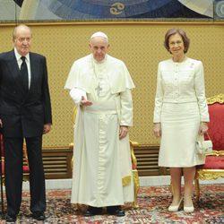 El Papa Francisco recibe en audiencia a los Reyes Juan Carlos y Sofía