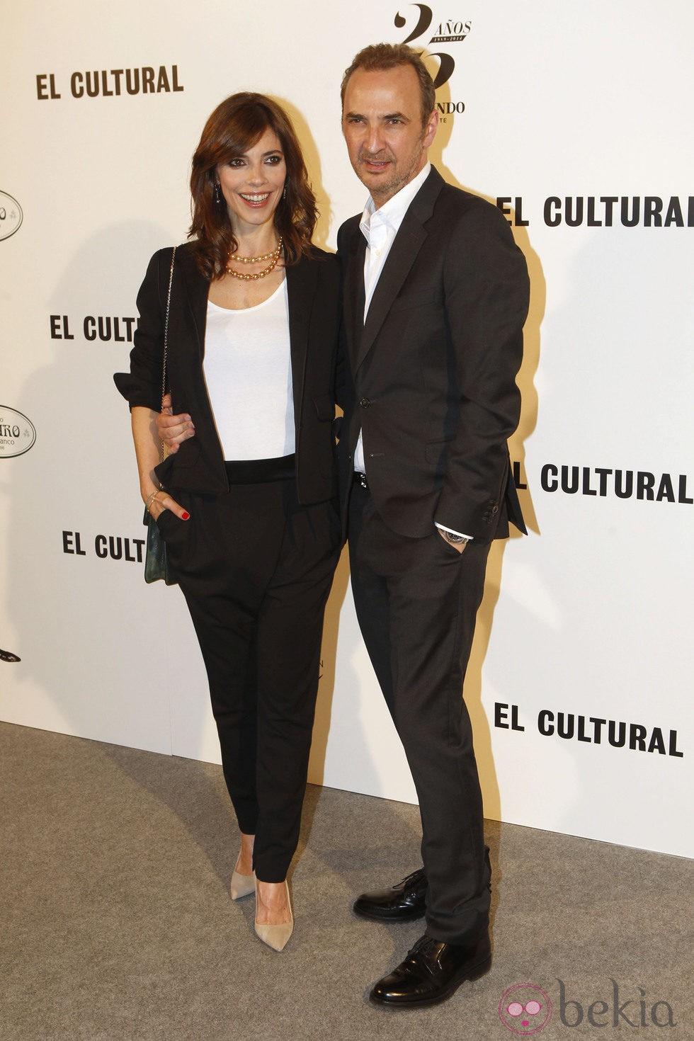 Maribel Verdú y Pedro Larrañaga en la entrega del Premio Valle-Inclán de Teatro 2014