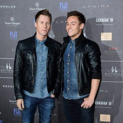 Dustin Lance Black y Tom Daley en la fiesta Battersea Power Station 2014
