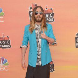 Jared Leto en la alfombra roja de los iHeartRadio Music Awards 2014