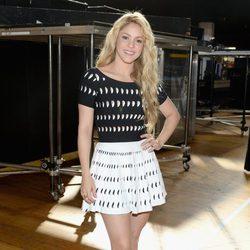 Shakira a su llegada a los iHeartRadio Music Awards 2014