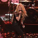 Shakira durante su actuación en los iHeartRadio Music Awards 2014