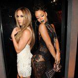 Rihanna y Jennifer Lopez en los iHeartRadio Music Awards 2014