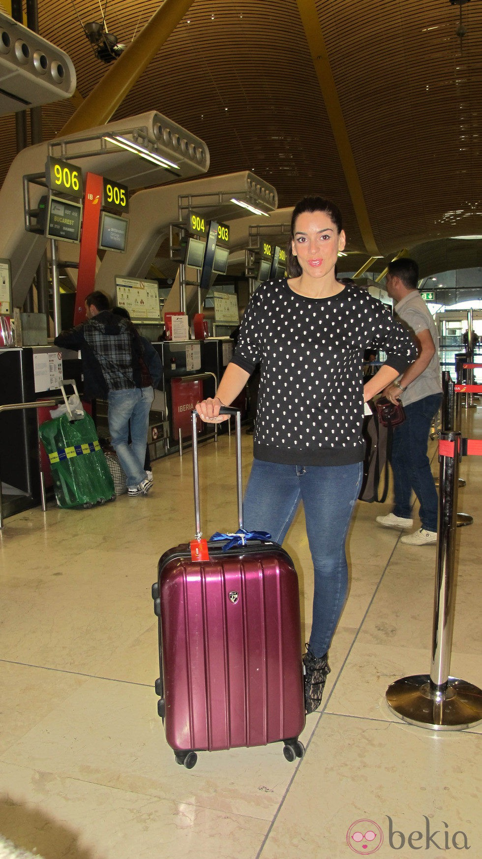 Ruth Lorenzo en el aeropuerto rumbo a Copenhague para participar en Eurovisión 2014