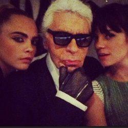 Cara Delevigne, Karl Lagerfeld y Lily Allen