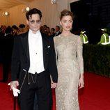 Johnny Depp y Amber Heard en la Gala MET 2014
