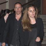 Carmen Morales y Luis Guerra en la misa funeral en memoria de Junior
