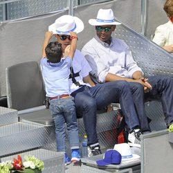Cristiano Jr pone un sombrero a su padre Cristiano Ronaldo en el Madrid Open 2014