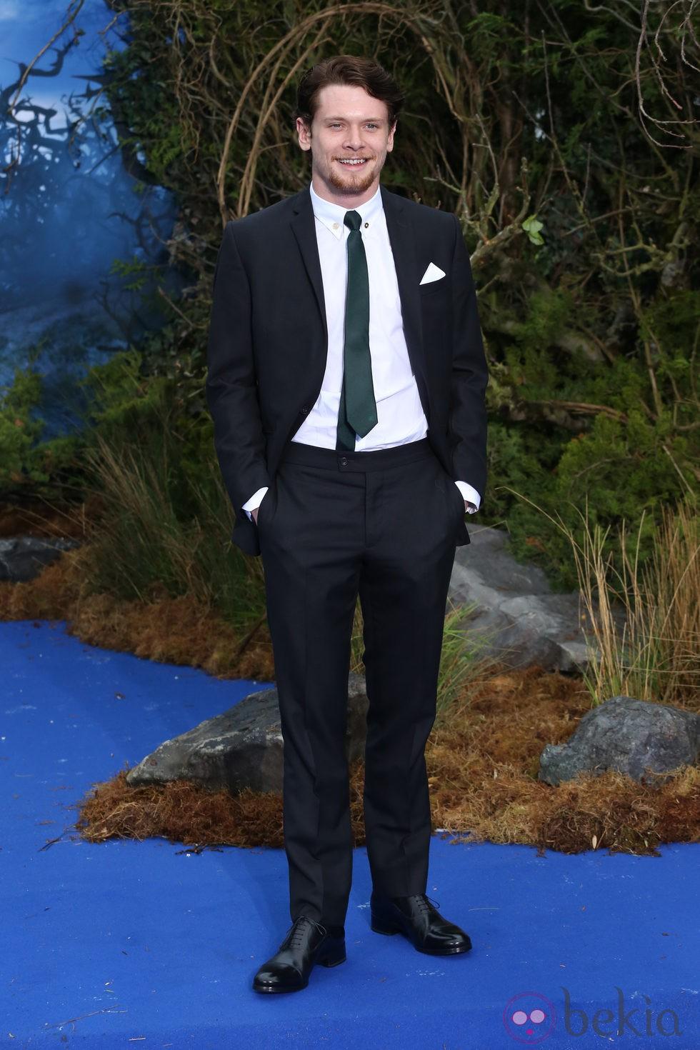 Jack O'Connell en la premiere de 'Maléfica' en Londres
