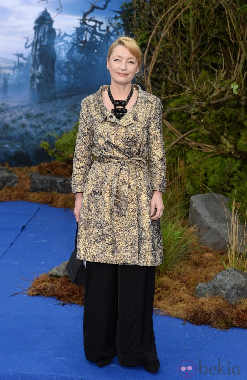 Lesley Manville en la premiere de 'Maléfica' en Londres