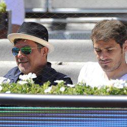 Alejandro Sanz e Iker Casillas disfrutan del partido de tenis de Rafa Nadal