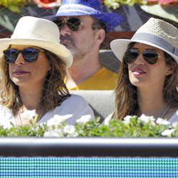 Raquel Perera y Sara Carbonero disfrutan del partido de tenis de Rafa Nadal