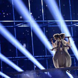 Tolmachevy Sisters durante su actuación en el Festival de Eurovisión 2014