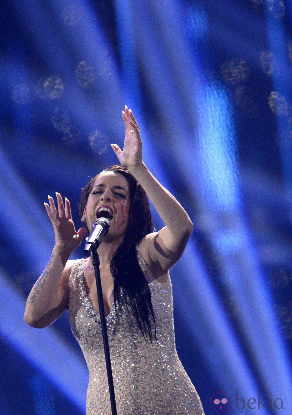 Ruth Lorenzo interpreta el tema 'Dancing in the Rain' en el Festival de Eurovisión 2014