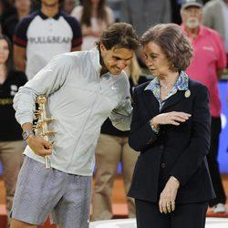 Rafa Nadal con la Reina Sofía tras ganar el Madrid Open 2014