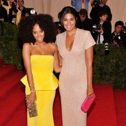Solange Knowles y Rachel Roy en la Gala MET 2012