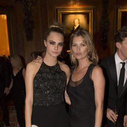 Cara Delevingne y Kate Moss en una cena benéfica en el Castillo de Windsor