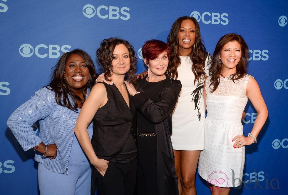 Sheryl Underwood, Sara Gilbert, Sharon Osbourne, Aisha Taylor y Julie Chen en los Upfronts de la CBS 2014