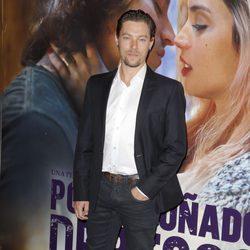 Jan Cornet en el estreno de 'Por un puñado de besos' en Madrid