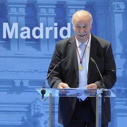 Vicente del Bosque tras recoger la Medalla de Oro de Madrid en San Isidro 2014