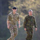 El Príncipe Harry de Inglaterra en los entrenamientos de la OTAN en Estonia